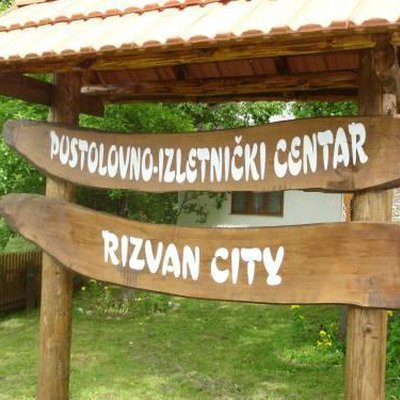 Wandern Adventure Center RizvanCity